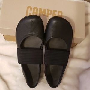 Camper Black Leather Right Nina Ballet Flat EUC 38